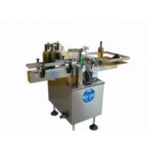 Vollautomatische Etikettiermaschine Leistung 1000 Fl/h mit 1 Station
